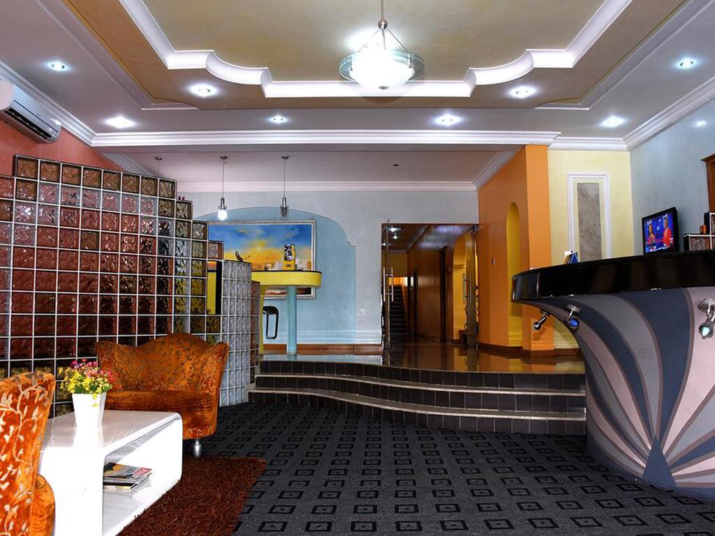 La Maison Hotel And Suites